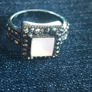 Jewelry - Pink and black crystal studded ring